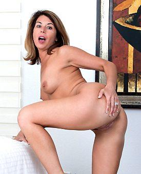 housewife,ass