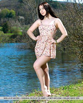outdoor,brunette