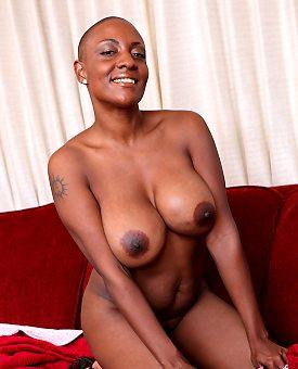 busty,ebony,stockings