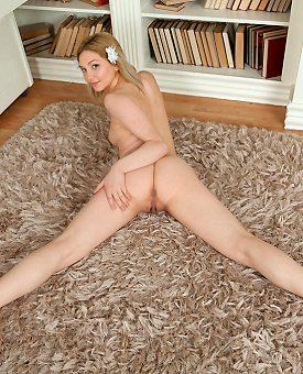 sexy,blonde