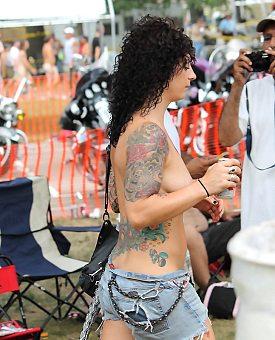 public,sexy,outdoor