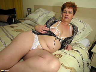 mature,busty,toys