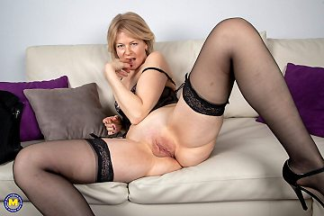 Naughty mature Diana is teasing us with stripping her wickedness