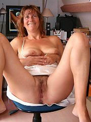 + 500. 000 amateur mature photos 100pct real amateurs every day.