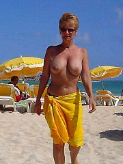 Amateur mommies - free stockings gallery