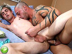 Twinks Dirty gay roommate seducing this closet homo