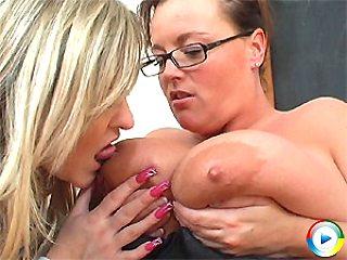 busty,lesbian