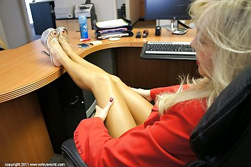 stockings,office,secretary