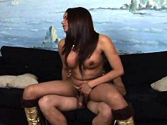 Tranny seductress sucks a dick wishing to be penetrated hard