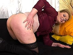 Naughty blonde housewife who simply loves warming things heat up herself
