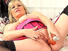 Curvy housewife whores getting thier naked women in bed