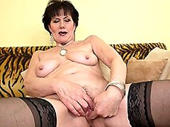 Naughty mature fit women mama playing kinky with herself
