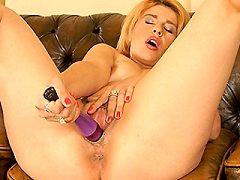 Hot redhead milf british loves getting myself very horny lez babe dildoe