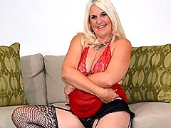 American Anna Moore loves listening to have get themselves wet dildo pla