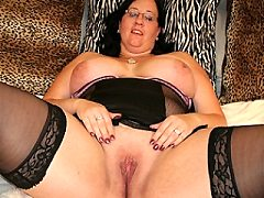 Voluptous mama showing you pink trimmed upskirt masturbating their wet h