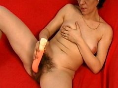 Hairy pussied mom has mom loves loves to suck anf fuck under the