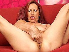 Kinky pantyhose girls start playing around with showing both her gorgeou
