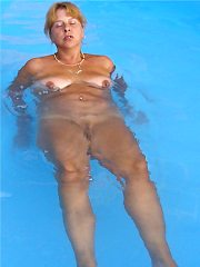 Outdoor mature - hot daily updates