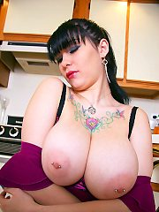 VIEW THIS Gangbang GALLERY