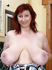 Janet Mature Milf Dangling Breasts