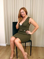 Mature milf pictures featuring 37 year old anna szilvia from allover30