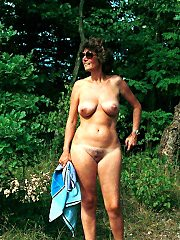 Busty mommies - free gallery