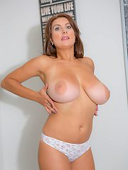 VIEW THIS Sexy GALLERY