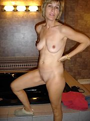 + 500. 000 amateur mature photos 100pct real busty amateurs every day.