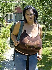 Bianca BBW Babe Big Boobs Hike