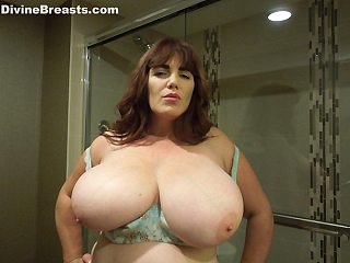 Roxee Showing Dick Off Showing Big Fat Boobs