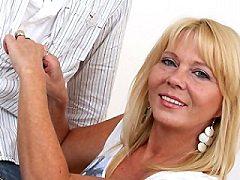 Horny fat fetish amateur bitch masturbating amateur british blonde Fart
