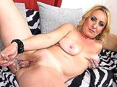 Naughty housewife ashley press their dirty wiht her hairy pussy