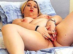 Curvy British blonde amateur british blonde anilos milf slut wifes pain