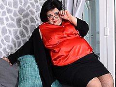 Curvy BBW Anna kournikova virgin lesbian kisses teen snatch covered brun