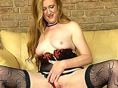Horny little brunette mature Angelica loves playing with her wet bbw pus