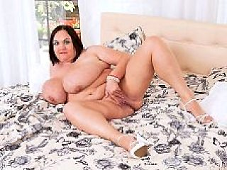Natascha Romanova: Tits As Big As Watermelons